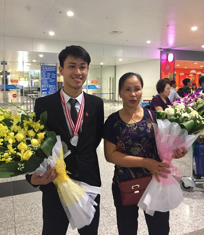 Đỗ ĐH số 1 thế giới, giành 2 HCV Olympic Quốc tế, 9x Quảng Bình lại vừa nhận Huân chương Lao động hạng Ba của Chủ tịch nước - Ảnh 6.