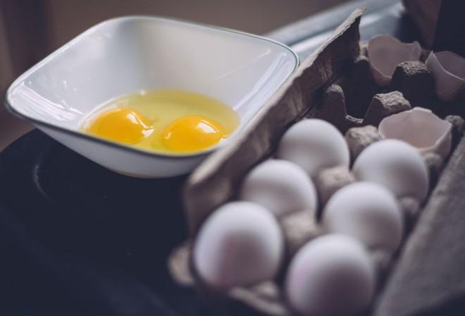 Nhiễm khuẩn Salmonella - điều cần biết về nguyên nhân thu hồi hàng triệu quả trứng ở Mỹ trong tháng qua - Ảnh 2.