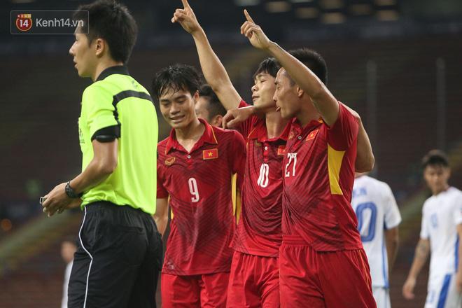Việt Nam dễ thở, Thái Lan gặp khó tại AFF Cup 2018 - Ảnh 3.