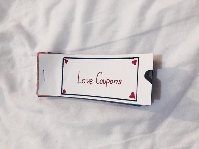 Yêu xa, cô gái nhận được coupon ưu đãi toàn những điều ngọt ngào từ bạn trai - Ảnh 1.