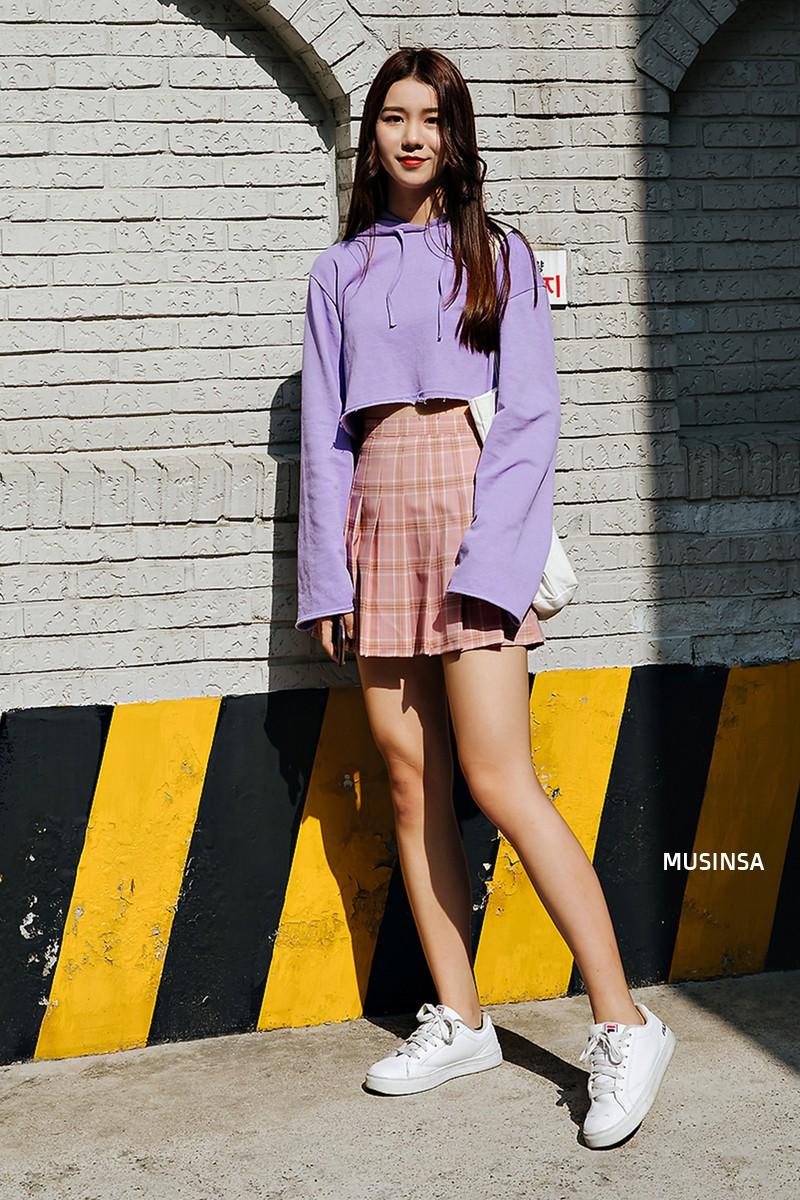 Sơ vin và quần cạp cao - 2 thần chú đơn giản nhưng hiệu nghiệm làm nên street style đẹp bá cháy của giới trẻ Hàn tuần qua - Ảnh 3.
