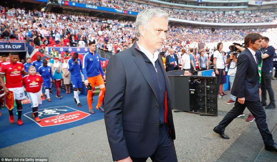 Dàn sao Man Utd thất thểu, cay đắng nhìn Chelsea vô địch FA Cup - Ảnh 2.