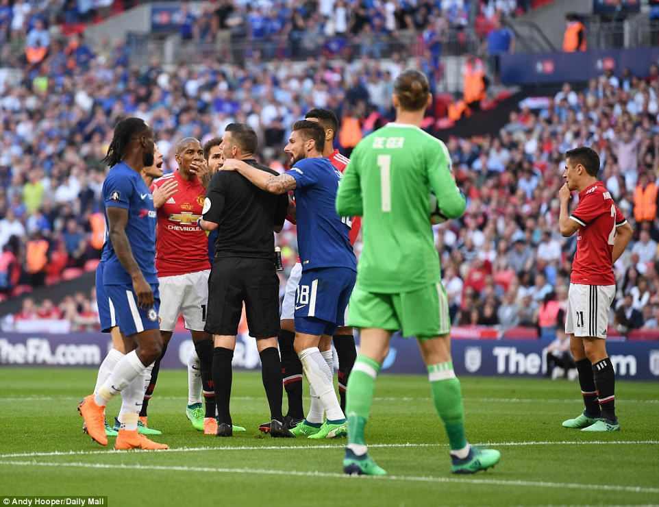 Dàn sao Man Utd thất thểu, cay đắng nhìn Chelsea vô địch FA Cup - Ảnh 6.