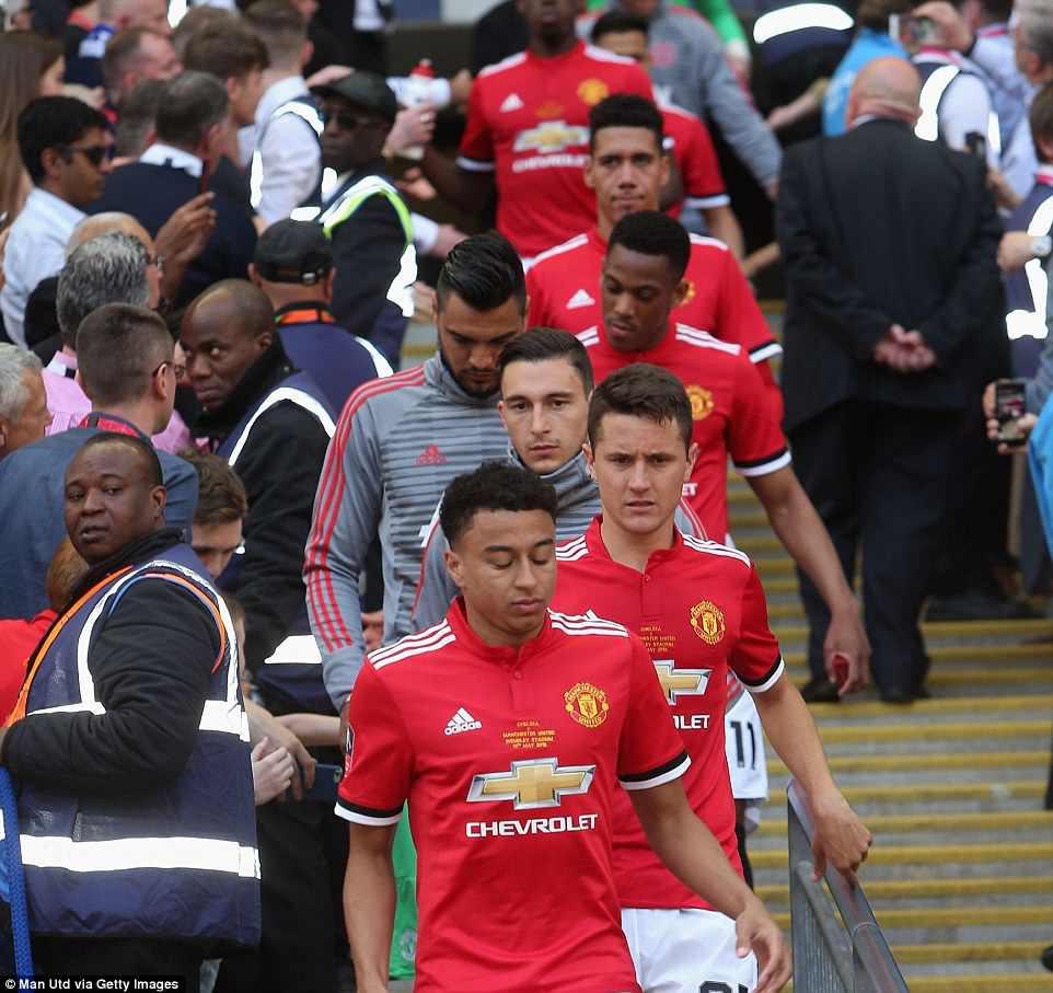 Dàn sao Man Utd thất thểu, cay đắng nhìn Chelsea vô địch FA Cup - Ảnh 13.