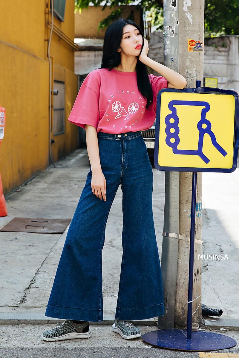 Sơ vin và quần cạp cao - 2 thần chú đơn giản nhưng hiệu nghiệm làm nên street style đẹp bá cháy của giới trẻ Hàn tuần qua - Ảnh 8.