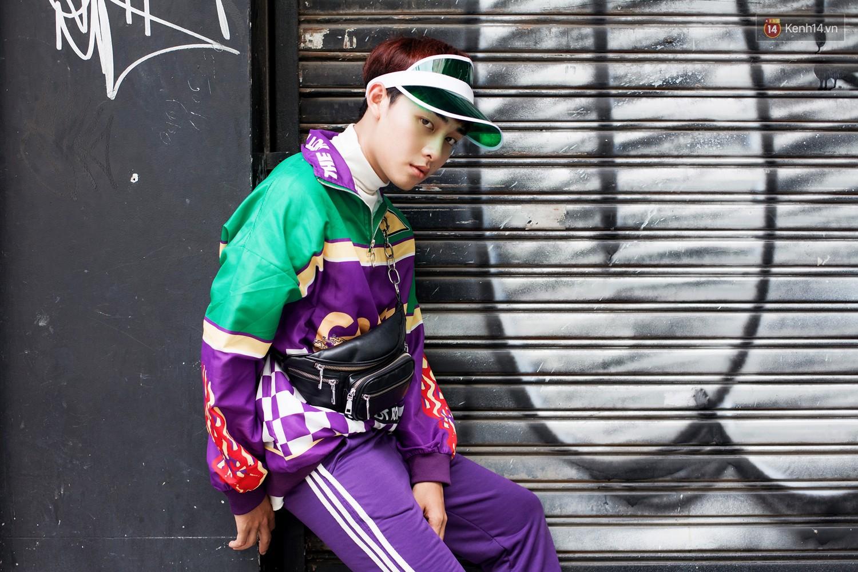 Street style 2 miền tuần qua đã chứng minh: sành điệu là phải diện kính mắt tí hon và mũ chống nắng - Ảnh 14.
