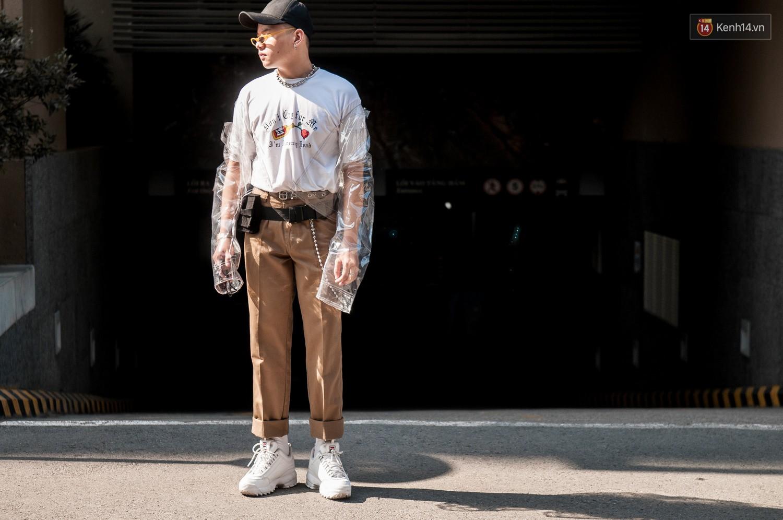 Street style 2 miền tuần qua đã chứng minh: sành điệu là phải diện kính mắt tí hon và mũ chống nắng - Ảnh 7.