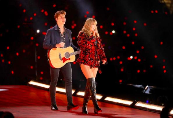 Taylor Swift và Shawn Mendes đốt cháy sân khấu Reputation với màn song ca xuất sắc - Ảnh 3.