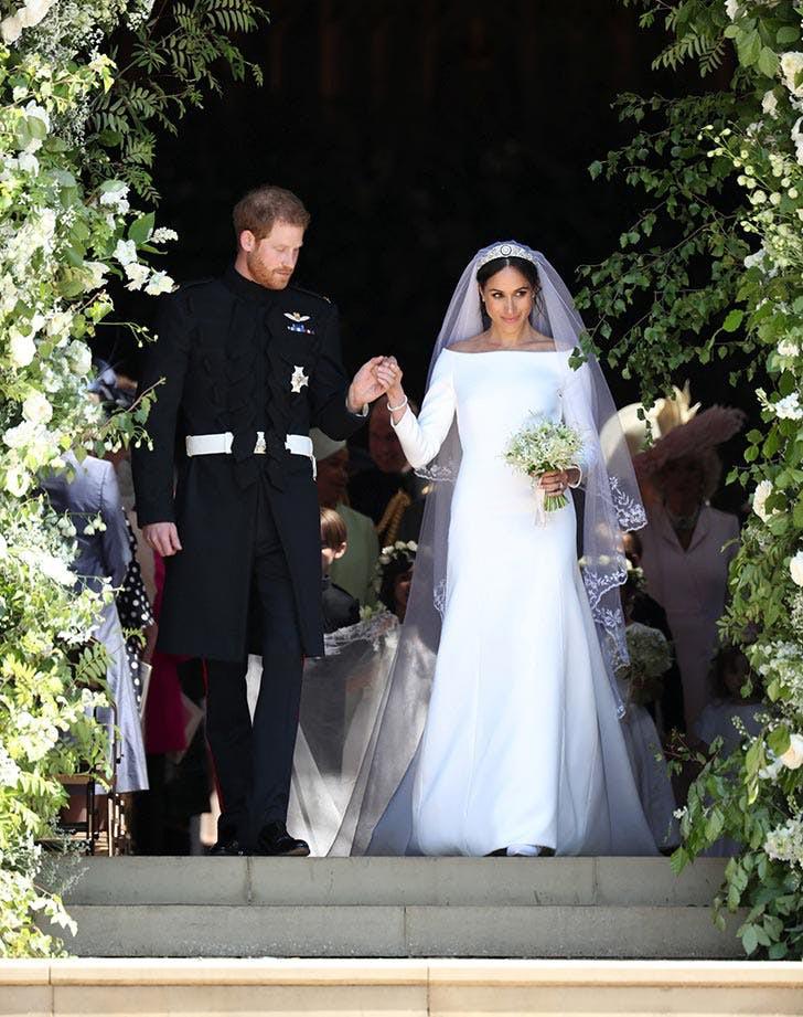 3 chiếc váy cưới nổi tiếng của Công nương Diana và hai cô con dâu xinh đẹp - Ảnh 12.