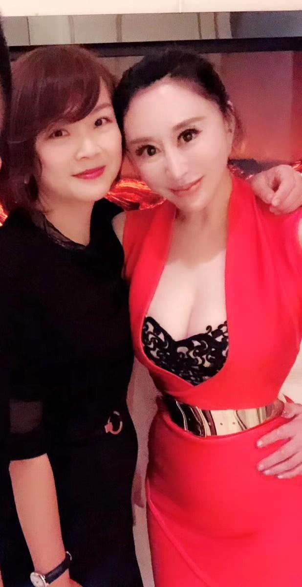 Hoa hậu Trung Quốc cố tình ngã trào ngực tại Cannes được chào đón không kém gì Phạm Băng Băng - Ảnh 8.