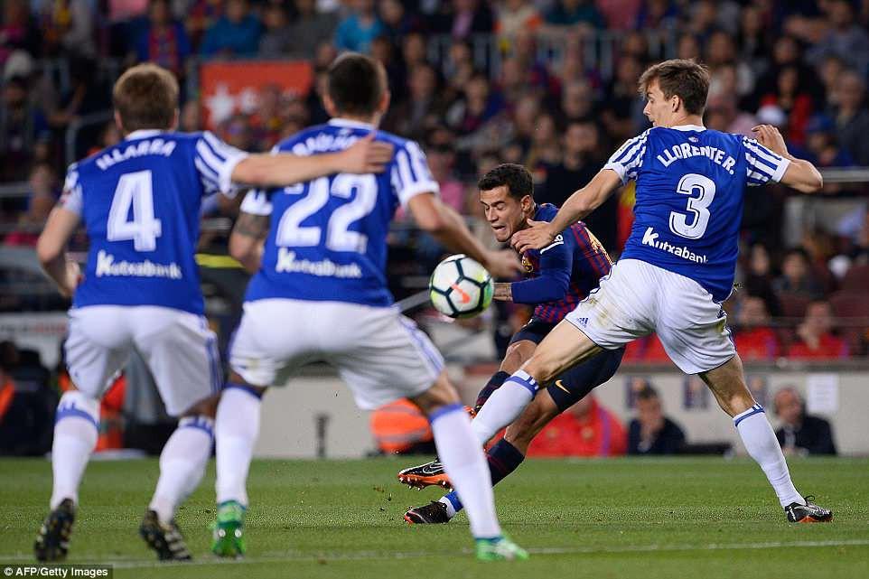 Huyền thoại Iniesta khóc nghẹn trong trận đấu cuối cùng khoác áo Barca - Ảnh 2.