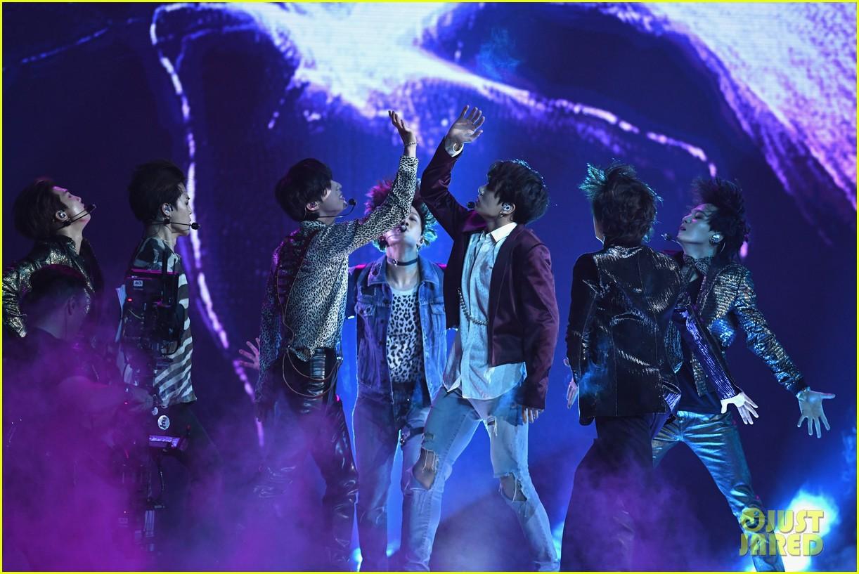 Chùm ảnh: Những khoảnh khắc đẹp ná thở từ sân khấu comeback lịch sử của BTS tại Billboard Music Awards 2018 - Ảnh 8.