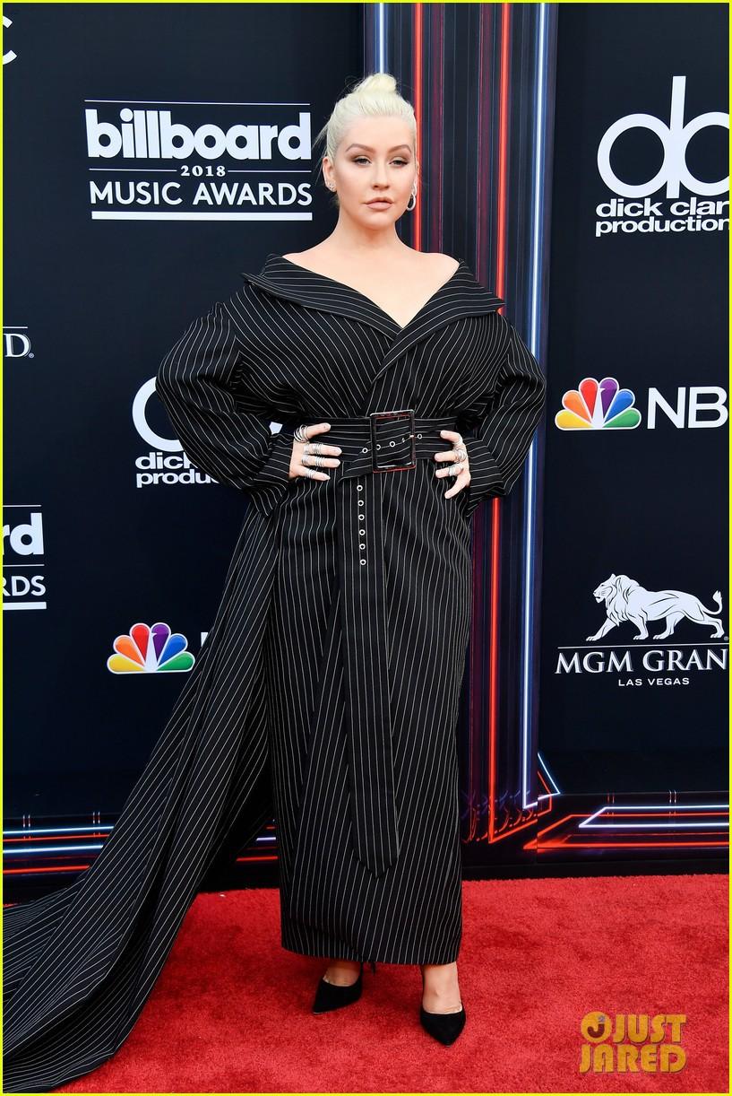 Trở lại thảm đỏ Billboard Music Awards 2018, Taylor Swift đẹp như tiên nữ giữa dàn sao đình đám - Ảnh 14.