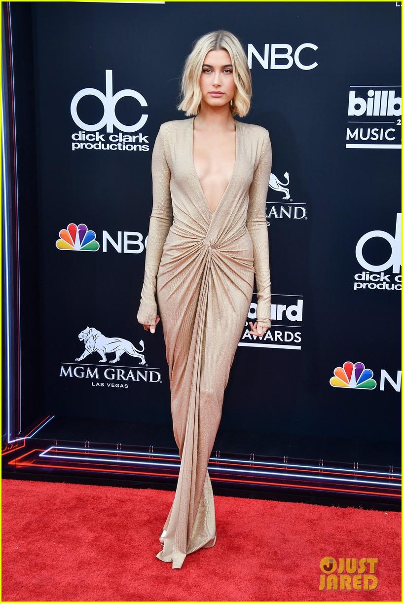 Trở lại thảm đỏ Billboard Music Awards 2018, Taylor Swift đẹp như tiên nữ giữa dàn sao đình đám - Ảnh 29.