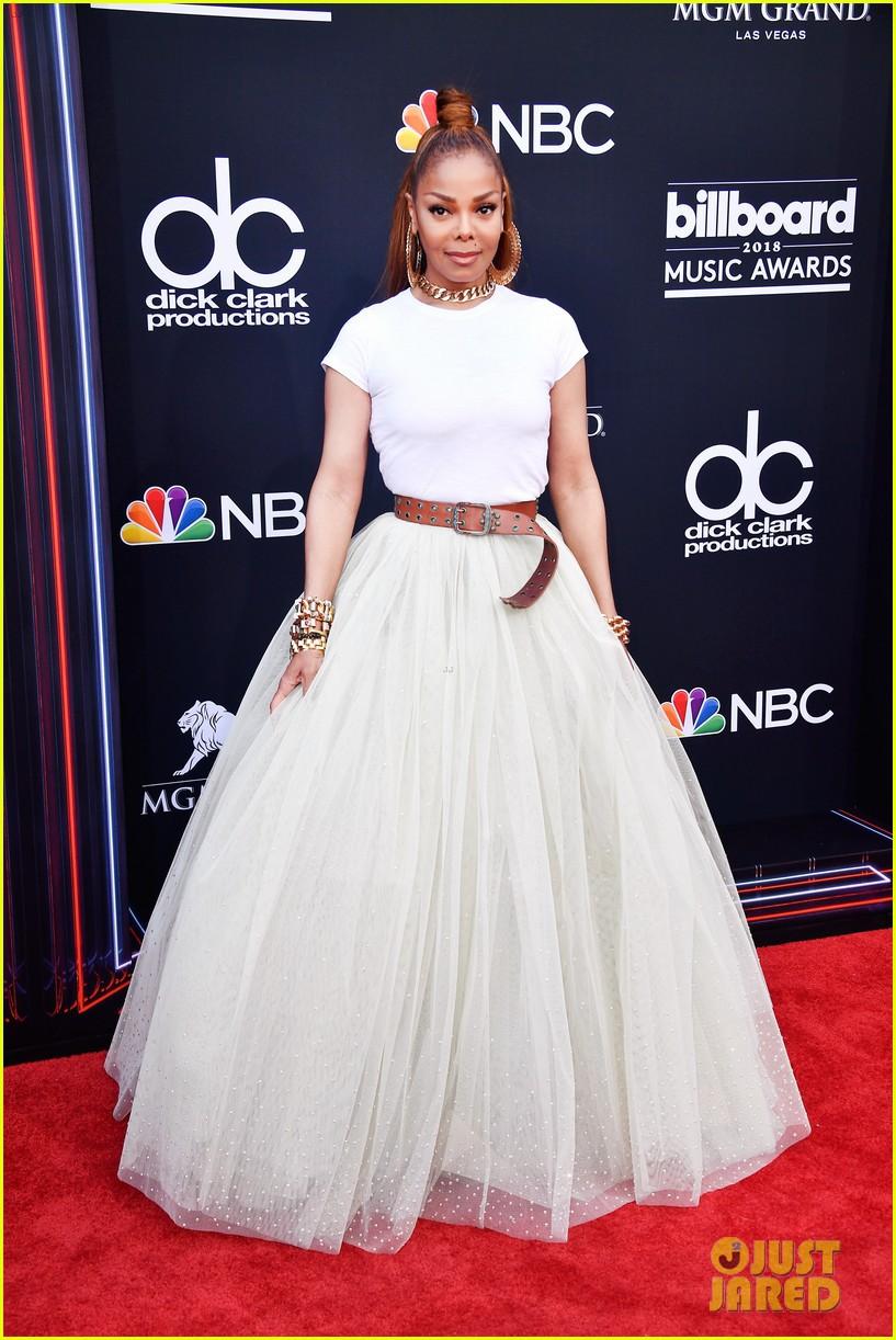 Trở lại thảm đỏ Billboard Music Awards 2018, Taylor Swift đẹp như tiên nữ giữa dàn sao đình đám - Ảnh 19.