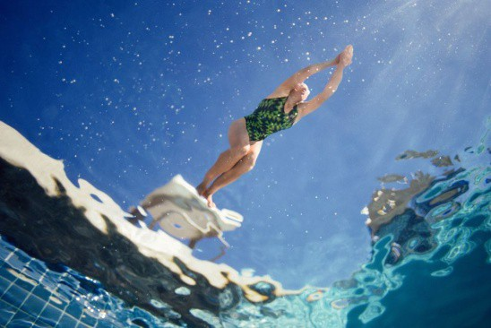 Nghe bí mật từ cứu hộ bể bơi ngay đi, bạn sẽ cần cho mùa hè này đấy! - Ảnh 1.