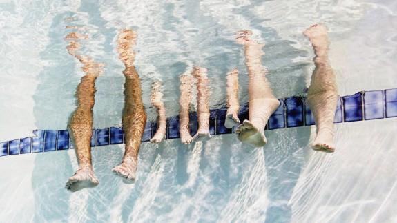 Nghe bí mật từ cứu hộ bể bơi ngay đi, bạn sẽ cần cho mùa hè này đấy! - Ảnh 2.
