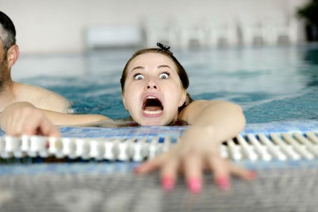 Nghe bí mật từ cứu hộ bể bơi ngay đi, bạn sẽ cần cho mùa hè này đấy! - Ảnh 3.