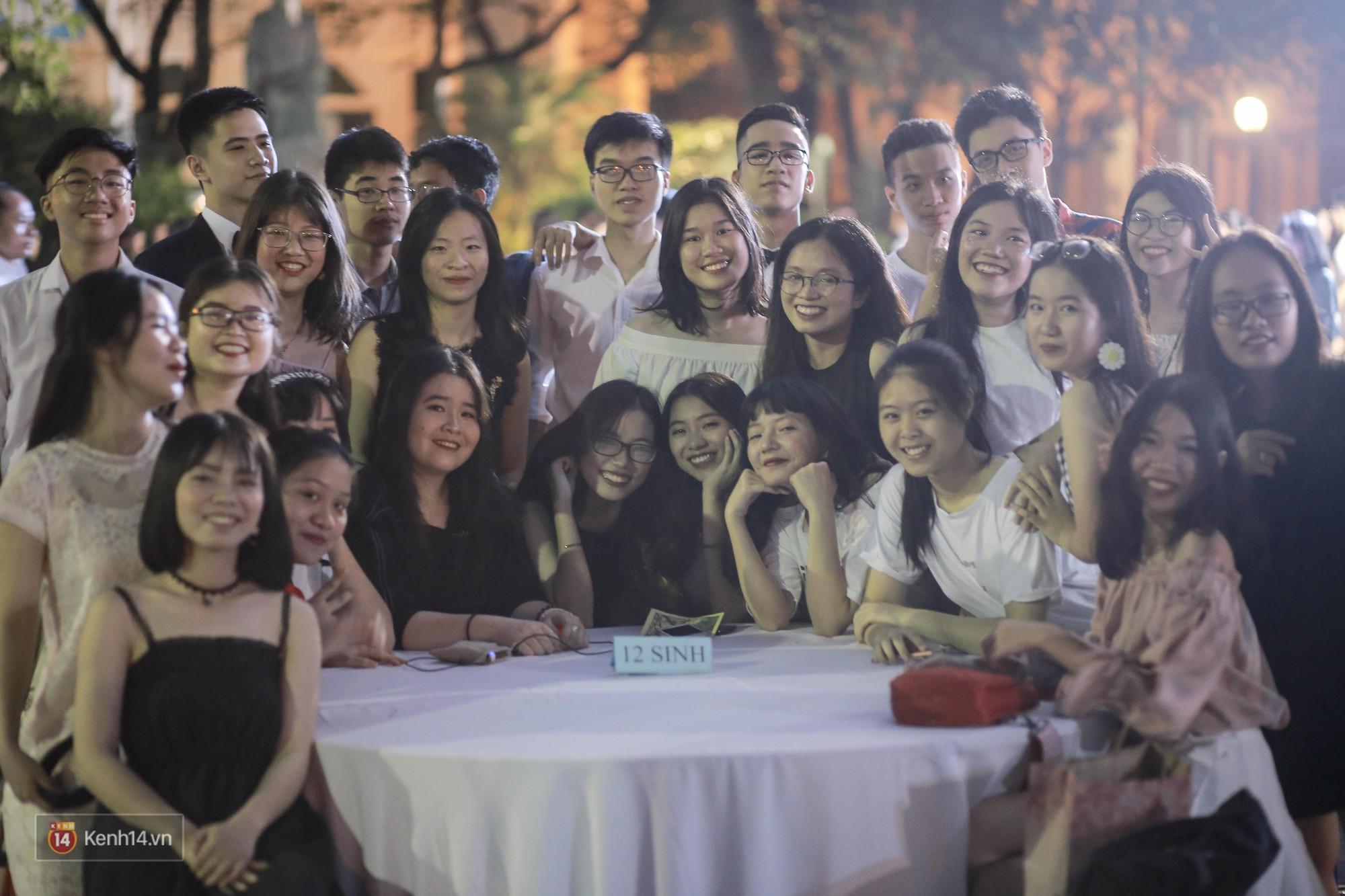 Nữ sinh Chu Văn An xinh ngẩn ngơ trong đêm tri ân/ trưởng thành - Ảnh 7.