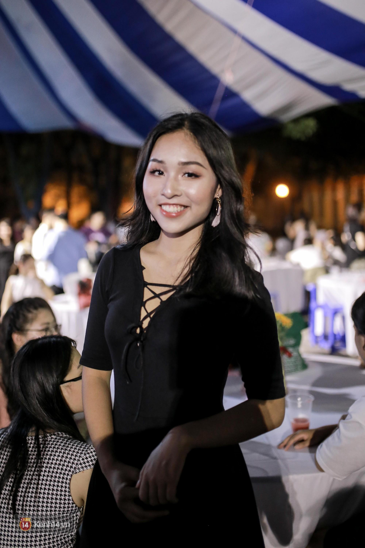 Nữ sinh Chu Văn An xinh ngẩn ngơ trong đêm tri ân/ trưởng thành - Ảnh 11.