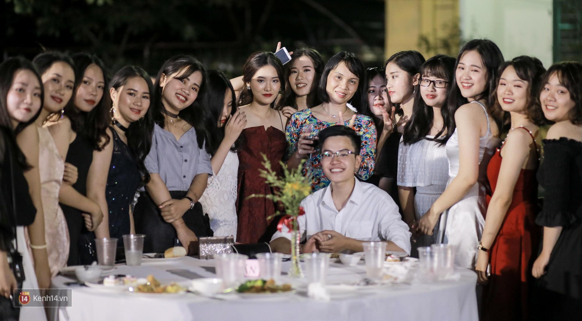 Nữ sinh Chu Văn An xinh ngẩn ngơ trong đêm tri ân/ trưởng thành - Ảnh 16.