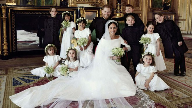 Vợ chồng Hoàng tử Harry - Meghan lần đầu lộ diện sau đám cưới và tiết lộ kế hoạch bất ngờ - Ảnh 2.