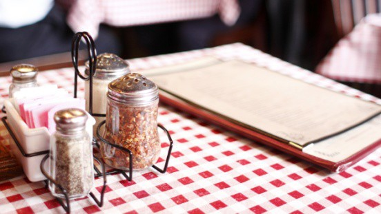 Điều chưa nói về các nhà hàng trên thế giới sẽ khiến bạn... chăm nấu ăn tại nhà hơn! - Ảnh 1.