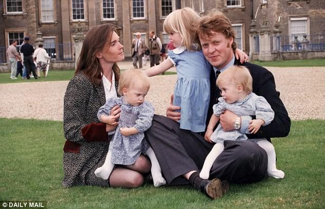 Bộ ba anh chị em quý tộc đẹp như tranh vẽ tại đám cưới Hoàng gia: người nổi tiếng với vai trò siêu mẫu thời trang, kẻ sống ẩn dật ôm nỗi buồn mất mát - Ảnh 14.