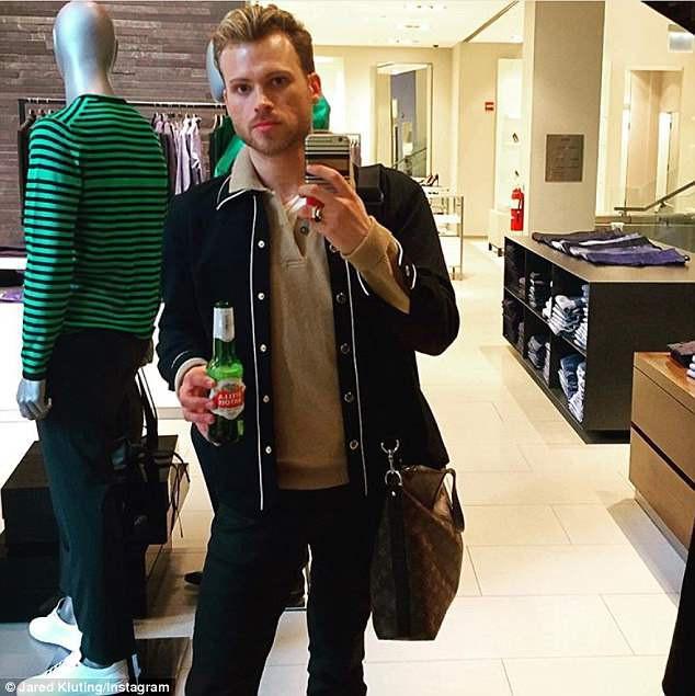 Mỹ: thanh niên dũng cảm chống lại kẻ cướp có súng, né 3 phát đạn để bảo vệ cái túi Louis Vuitton xịn mới mua - Ảnh 4.