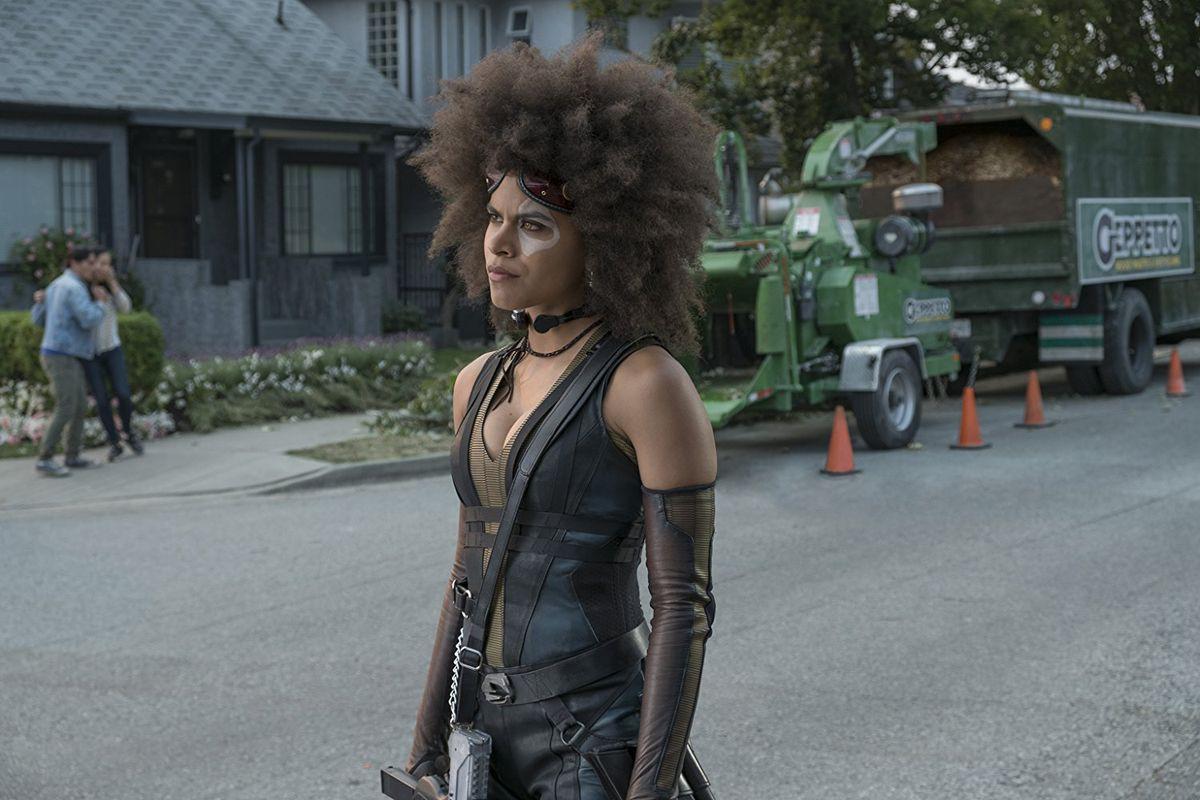 15 chi tiết thú vị bạn có thể bỏ lỡ chỉ trong nháy mắt của Deadpool 2 - Ảnh 12.