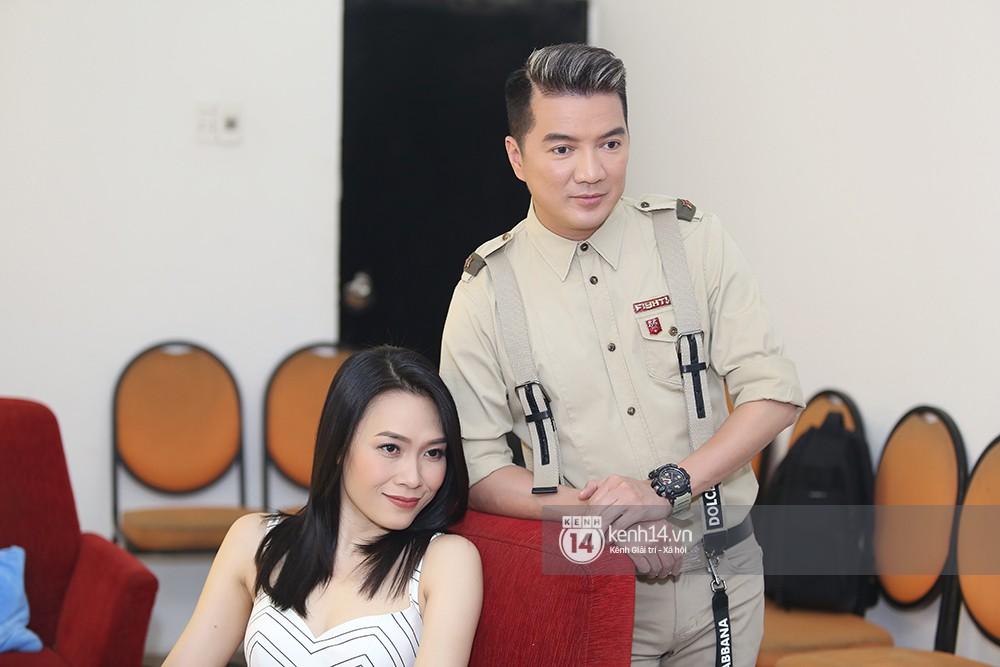 Đàm Vĩnh Hưng âu yếm hôn lên tóc Mỹ Tâm trong buổi ghi hình show thực tế mới - Ảnh 4.