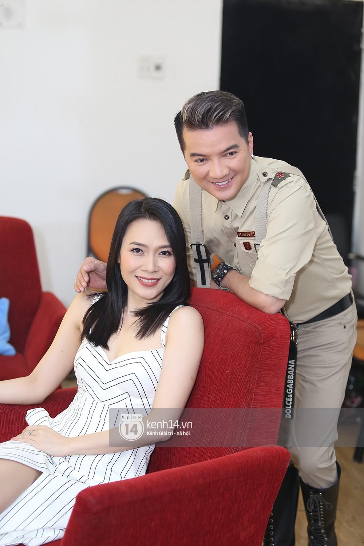 Đàm Vĩnh Hưng âu yếm hôn lên tóc Mỹ Tâm trong buổi ghi hình show thực tế mới - Ảnh 5.