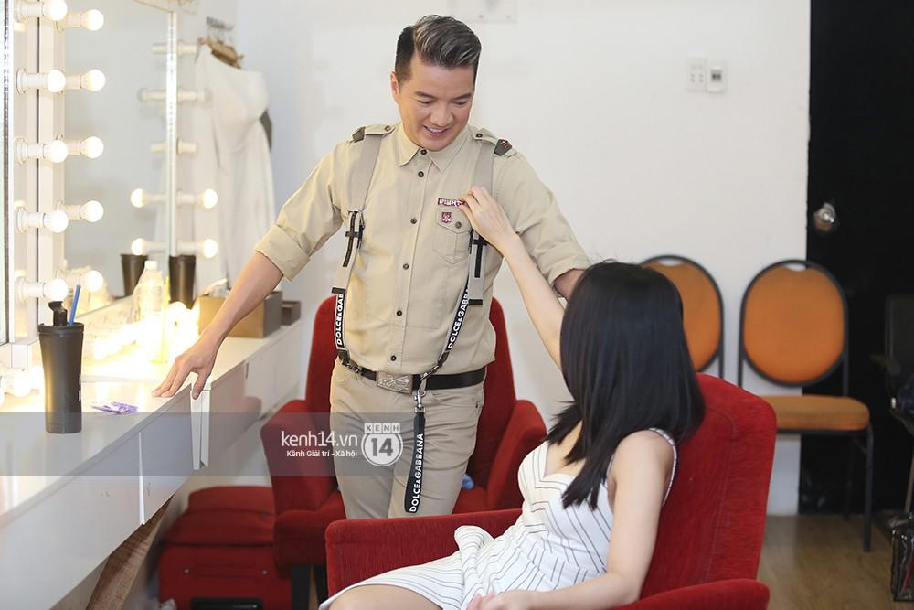 Đàm Vĩnh Hưng âu yếm hôn lên tóc Mỹ Tâm trong buổi ghi hình show thực tế mới - Ảnh 6.