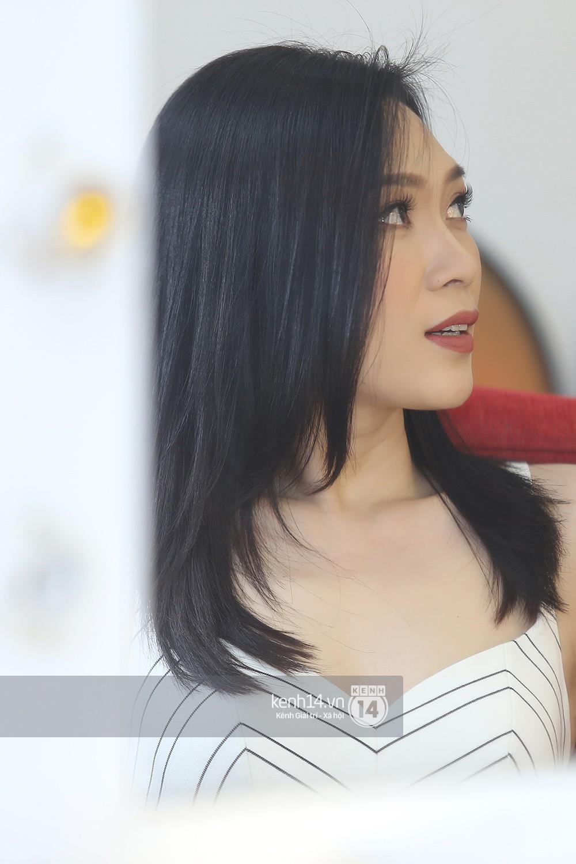 Đàm Vĩnh Hưng âu yếm hôn lên tóc Mỹ Tâm trong buổi ghi hình show thực tế mới - Ảnh 8.