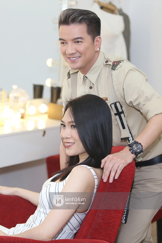 Đàm Vĩnh Hưng âu yếm hôn lên tóc Mỹ Tâm trong buổi ghi hình show thực tế mới - Ảnh 9.