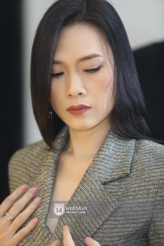 Đàm Vĩnh Hưng âu yếm hôn lên tóc Mỹ Tâm trong buổi ghi hình show thực tế mới - Ảnh 14.