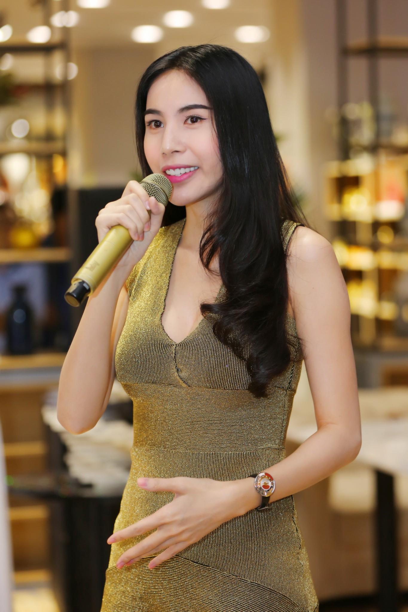 Hậu tin đồn mang thai lần 2, Thủy Tiên diện váy ôm sát khoe vòng eo phẳng lì - Ảnh 6.