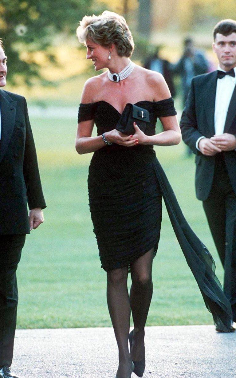 Nhan sắc và khí chất hoàn hảo của cố Công nương Diana trong những khoảnh khắc xưa - Ảnh 11.