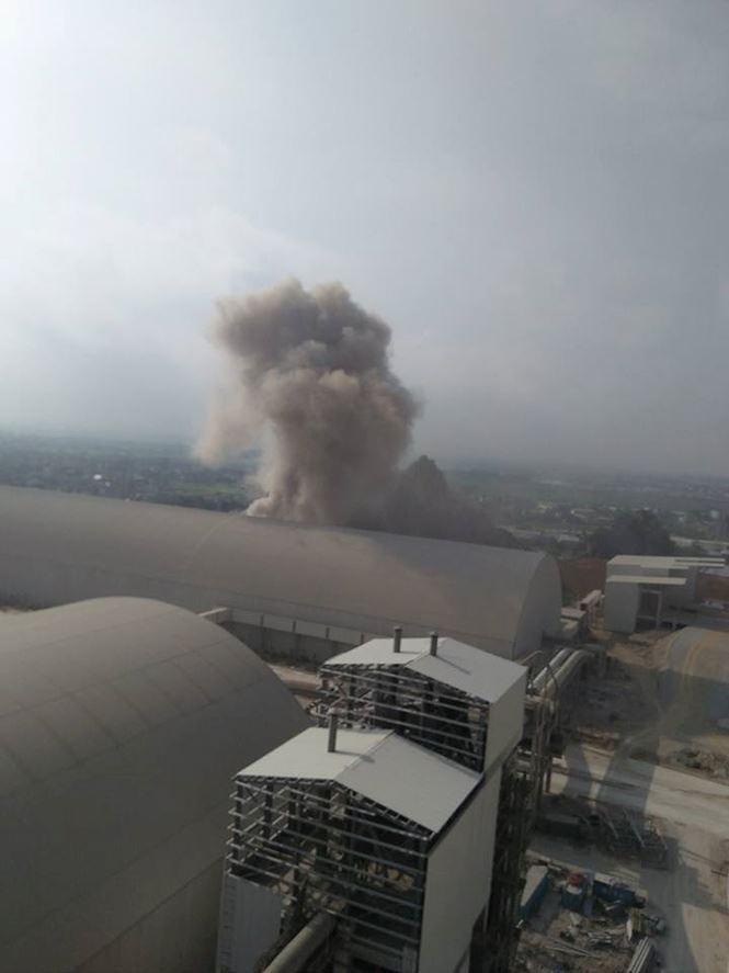Nhà máy xi măng Xuân Thành bất ngờ phát nổ khiến công nhân bỏ chạy tán loạn