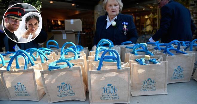 Bên trong túi quà cưới Hoàng gia Anh có gì đặc biệt mà lại được rao bán trên mạng với giá hơn 650 triệu đồng? - Ảnh 1.