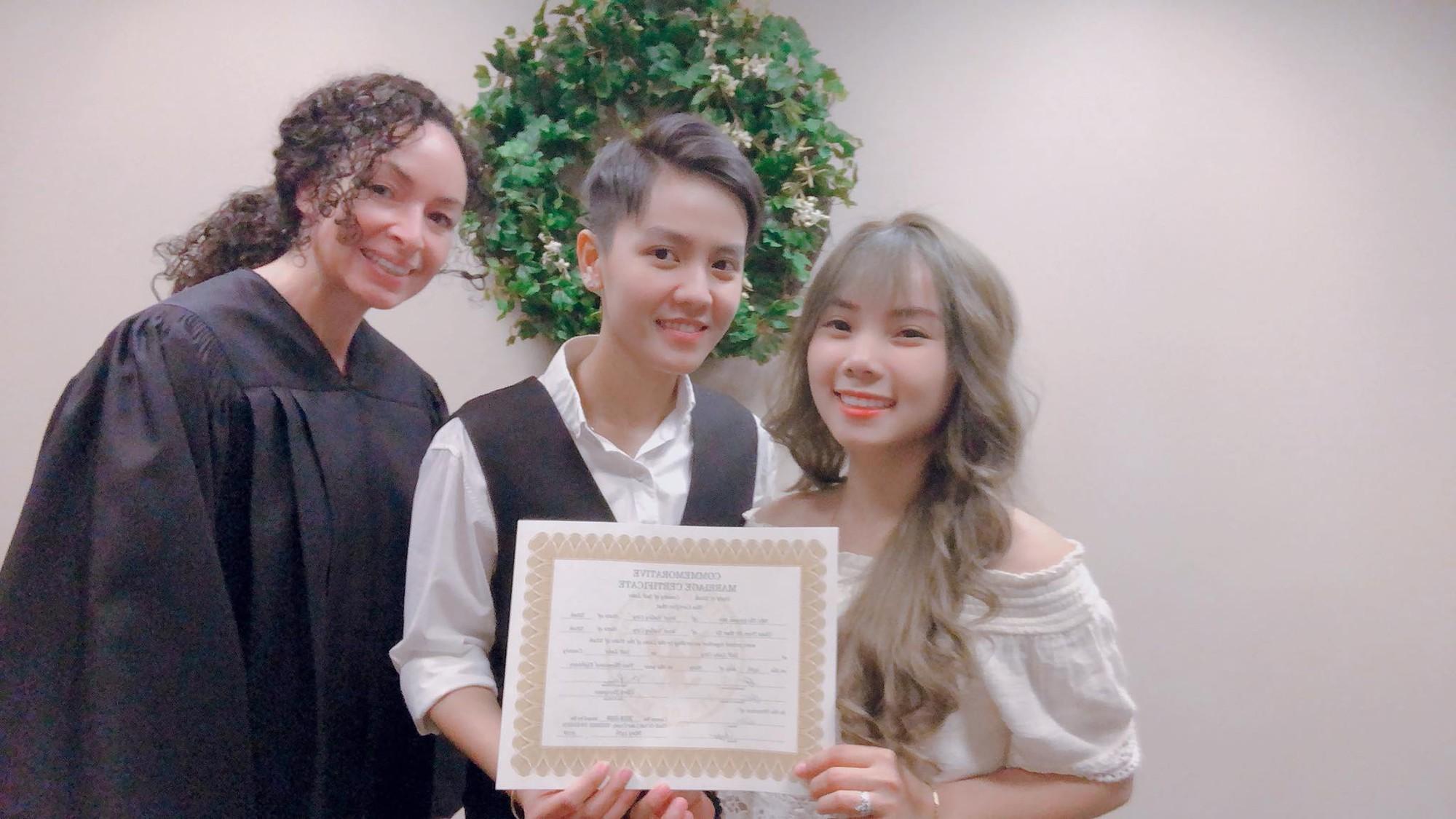 Tomboy Tô Trần Di Bảo đã kết hôn hợp pháp với bạn gái tại Mỹ - Ảnh 4.