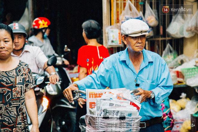Người đàn ông giao báo bằng xe đạp cuối cùng ở Sài Gòn: Vội làm gì giữa cuộc đời hối hả - Ảnh 8.