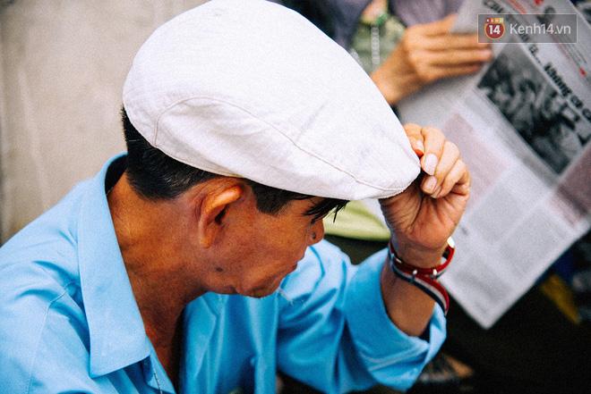 Người đàn ông giao báo bằng xe đạp cuối cùng ở Sài Gòn: Vội làm gì giữa cuộc đời hối hả - Ảnh 13.