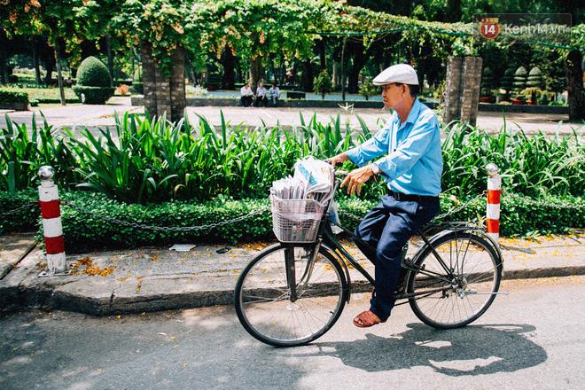Người đàn ông giao báo bằng xe đạp cuối cùng ở Sài Gòn: Vội làm gì giữa cuộc đời hối hả - Ảnh 12.