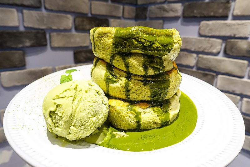 Thách bạn kiềm lòng trước những chiếc Souffle Pancake mềm mịn như bông này đấy - Ảnh 6.