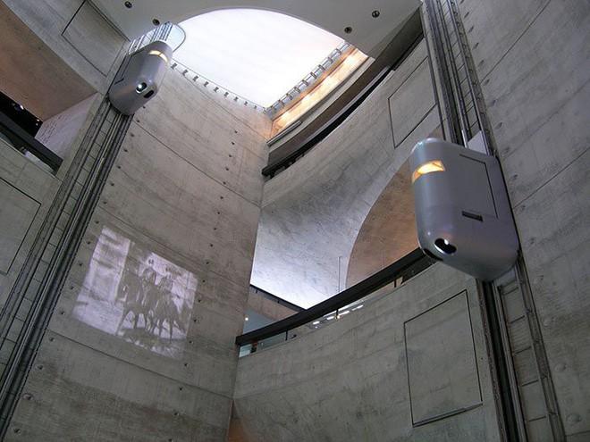 Chùm ảnh: Đi thang máy chẳng còn là trải nghiệm quá buồn chán nữa với những thiết kế độc nhất vô nhị này - Ảnh 15.