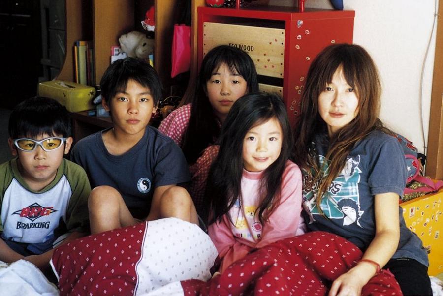 """Nobody Knows: Thế giới """"không ai biết"""" của những đứa trẻ bị bỏ rơi - Ảnh 4."""