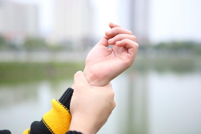 7 dấu hiệu cảnh báo bệnh nguy hiểm biểu hiện trên bàn tay của bạn - Ảnh 3.