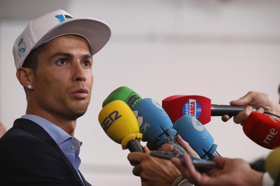 Không phải làm màu, Ronaldo có ý định rời Real: Vài ngày nữa tôi sẽ nói điều phải nói - Ảnh 1.