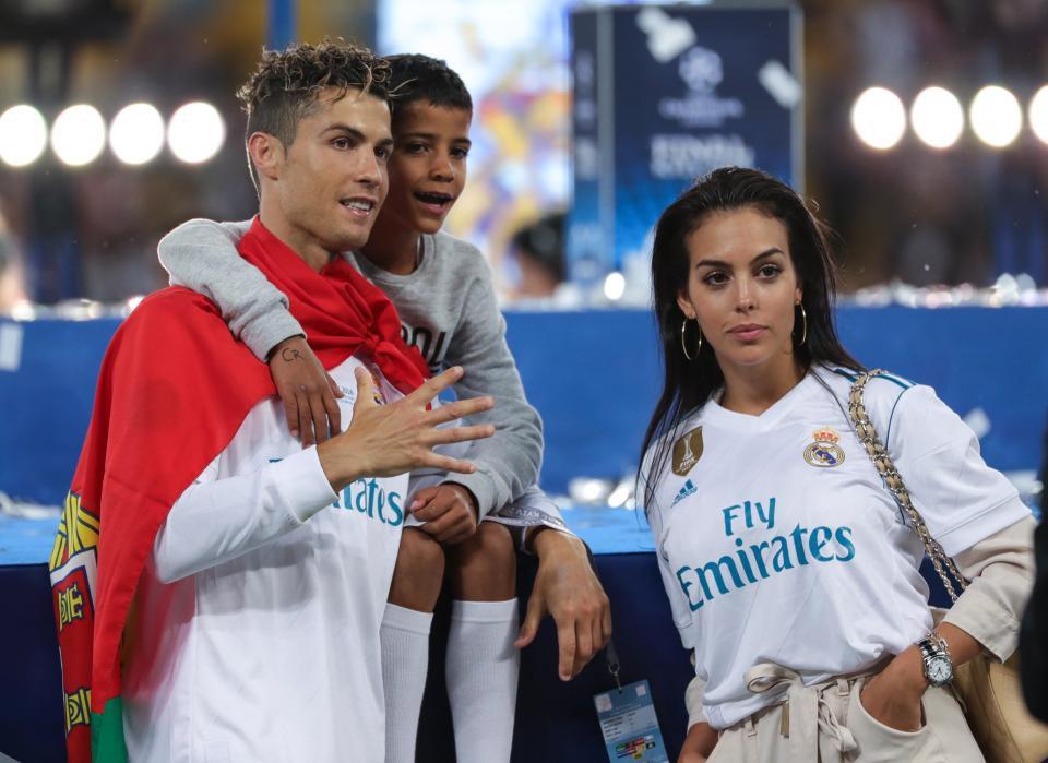 Không phải làm màu, Ronaldo có ý định rời Real: Vài ngày nữa tôi sẽ nói điều phải nói - Ảnh 2.